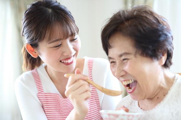 高齢者の食事で注意したいことと、高齢者がとるべき栄養素