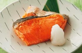 鉄板の魚料理 銀鮭の塩焼き